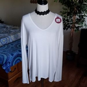 SO NWT KOHLS cut-out back top L